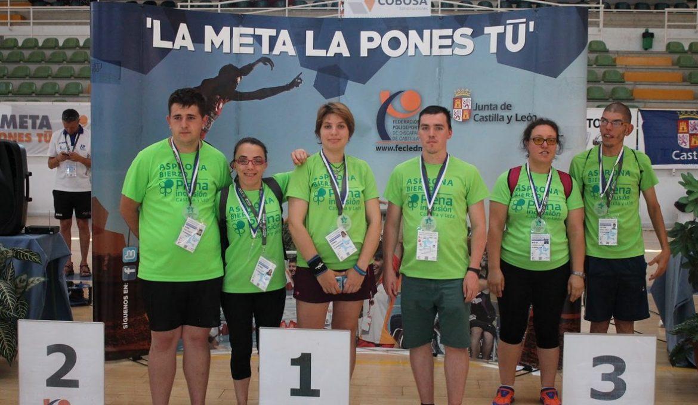 Asprona Bierzo, durante los Juegos Polideportivos Adaptados./ FECLEDMI