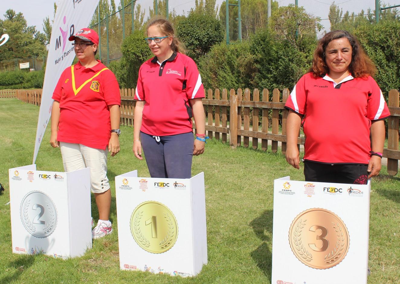 Natalia Llamas, campeona palentina de golf, del CD San Cebrián. / FEDEACYL