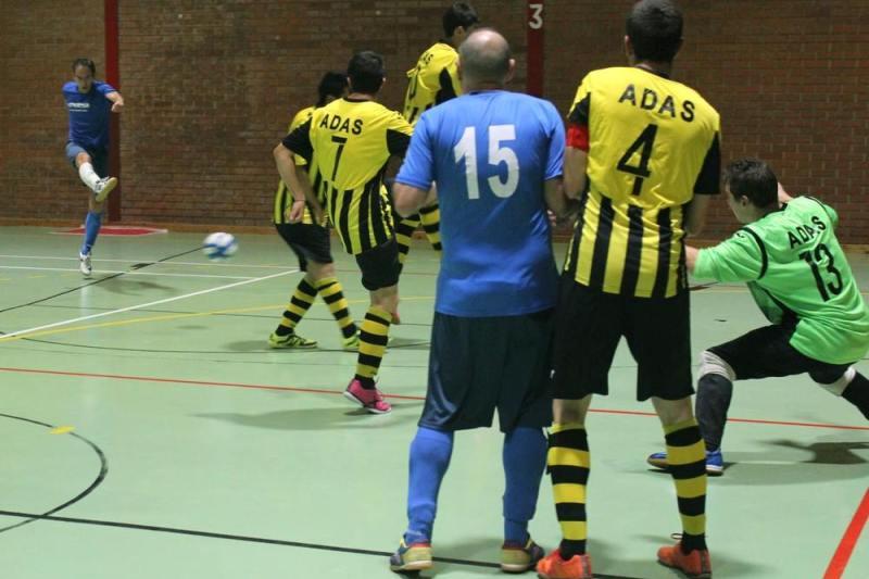 Encuentro de fútbol sala del Adas Salamanca. / FEDEACYL