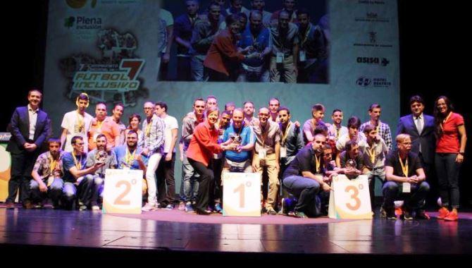 Podio de honor del Campeonato Nacional de Fútbol 7. / FEDEACYL