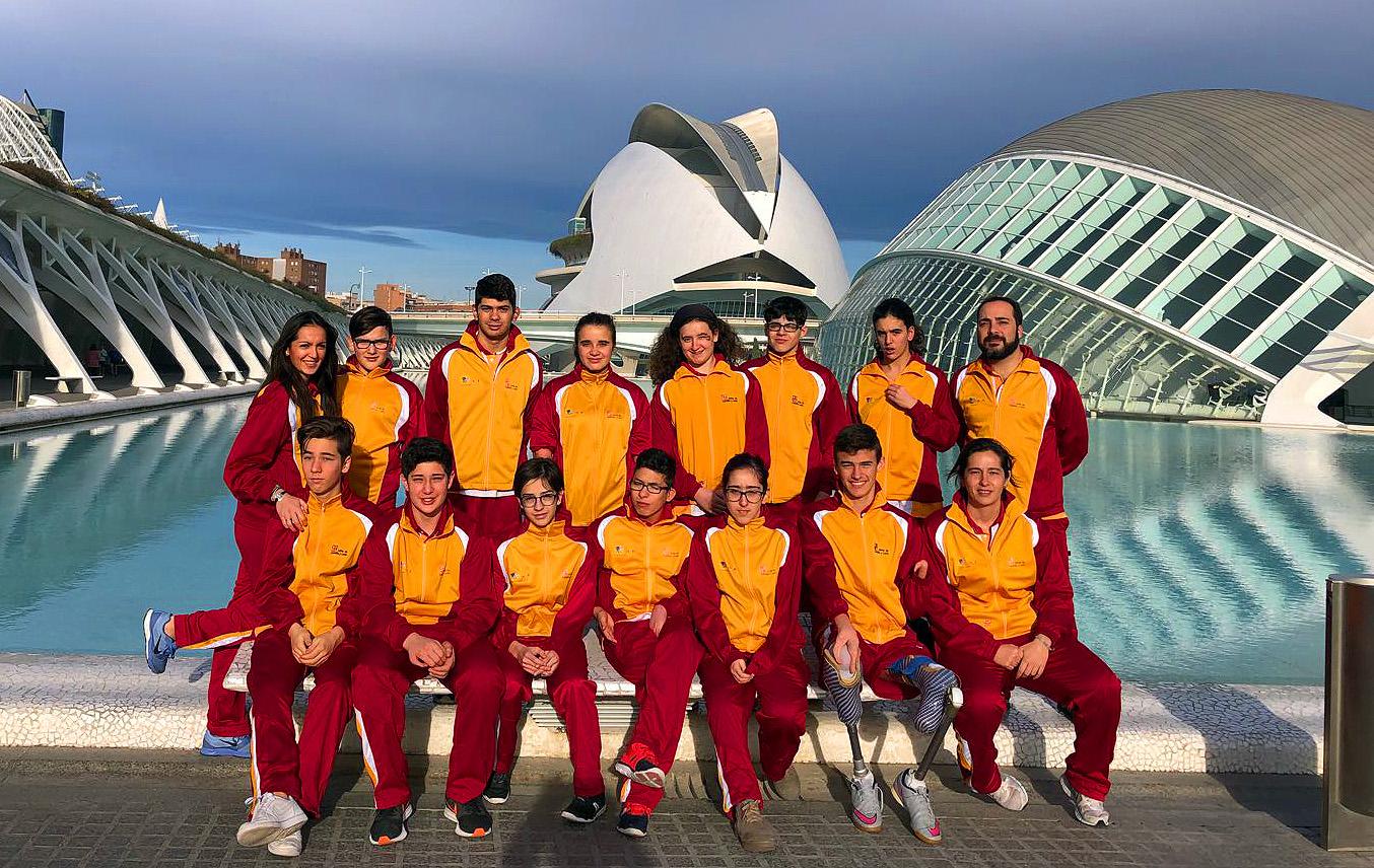La selección de Castilla y León, bronce en el Campeonato AXA, en Valencia. / FEDEACYL