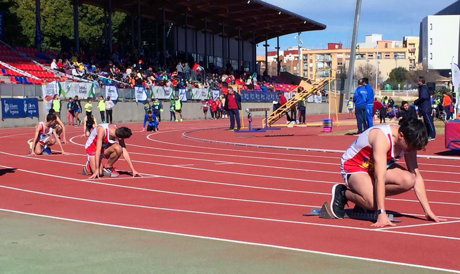 Salida del 400 metros en Valencia. FEDEACYL
