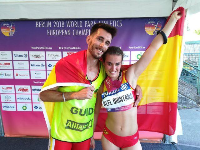 Lía Beel, junto a su guía David Alonso, campeones de Europa 100 metros