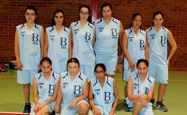 La selección de Fedeacyl, campeona de España de baloncesto femenino. / FEDEACYL