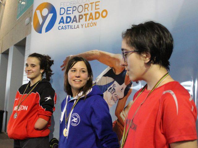 Ester Rodríguez y David Cubillas abanderan la Liga de Natación