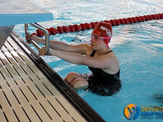 Las chicas sueñan con sus metas en la piscina de Río Esgueva