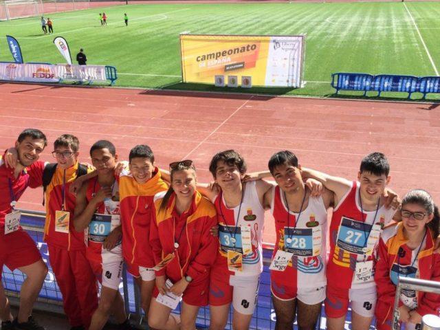 Ocho jóvenes atletas participan en el Campeonato de España de Atletismo